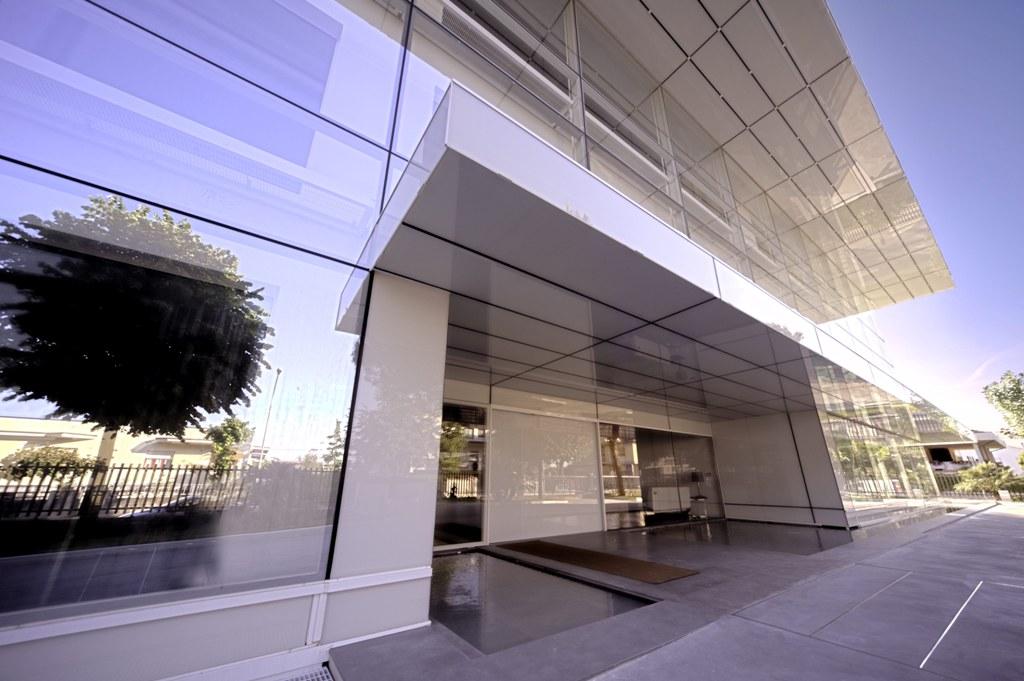Santoni Shoes - Double-skin facade - Promo - Il pensiero in opera f157312e78e