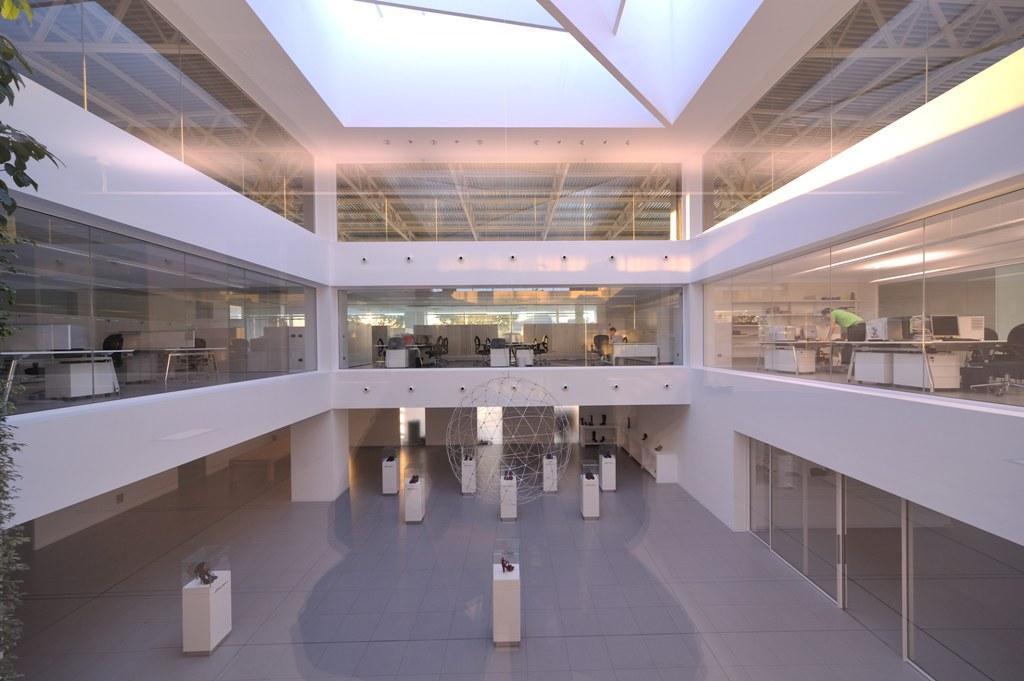 Santoni Shoes - Interior glazing - Promo - Il pensiero in opera 72e96c8f0f2